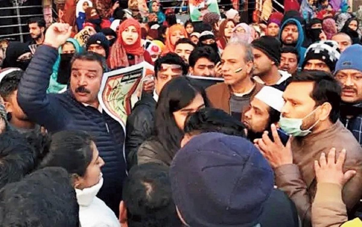 आंदोलन के साथ कश्मीरी पंडित